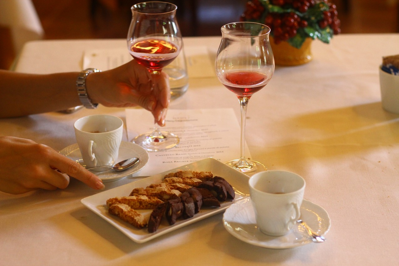 "favorite dessert wine, ""Brachettod'Acqui 2015""!"